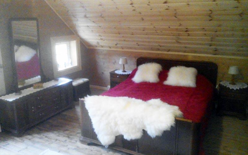 Overnatting i dobbeltrom eller enkeltrom i Nordhordland.
